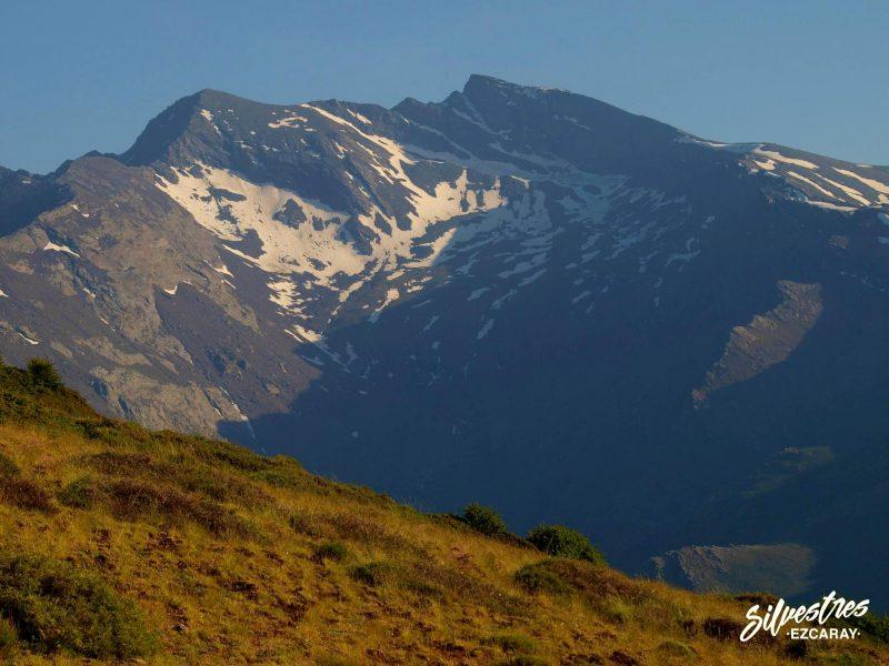 cimas_picos_sierra_nevada_fotos_veleta_cerro_los_machos_guia_montaña_la_rioja