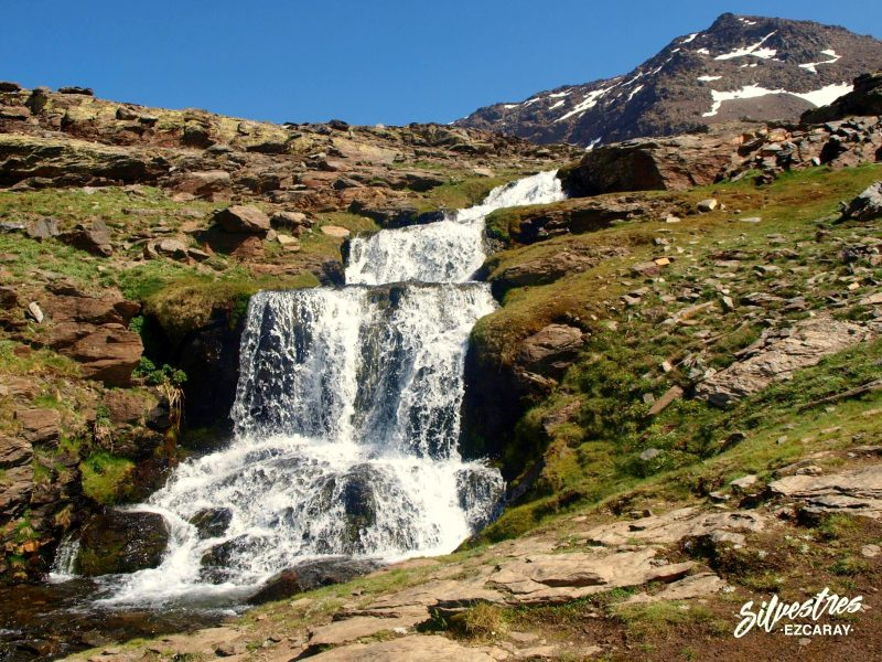 lavaderos_reina_sierra_nevada_cascadas_paisajes_senderismo_guia_montaña